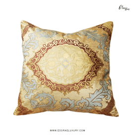 Pearls (L) Throw Pillow